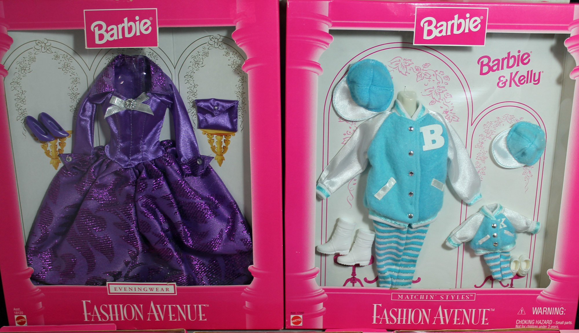 Barbie-Fashions-MIB-Fashion-Avenue-Boutique-Clothes-and-Accessories-Lot-5 miniature 2